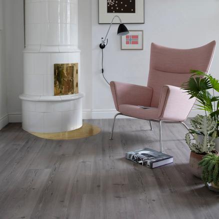 Smukt og elegant gulv i højtrykslaminat fra BerryAlloc