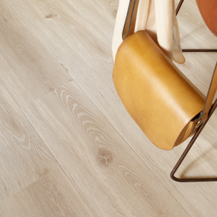 BerryAlloc Original Elegant Natur Eg har en troværdig, smuk træstruktur.