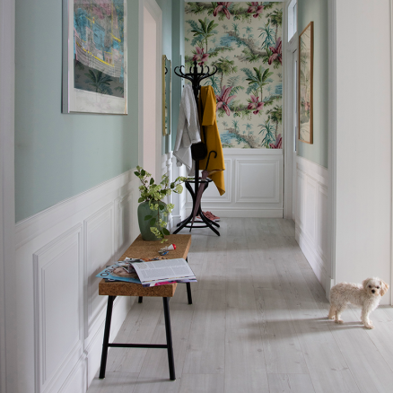 Få masser af lys i boligen med BerryAlloc Original Rocca di Papa Fyr gulvet.