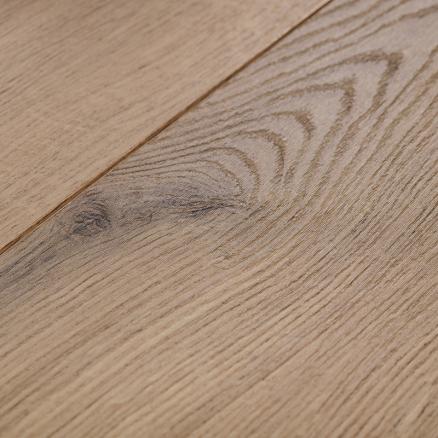 BerryAlloc Glorious XL Gyant xl mørk brun er et laminat gulv med en flot træstruktur.