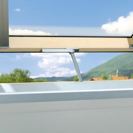 Smart elektrisk overlys vindue. Køb FAKRO Elektrisk Vippevindue FTU-V Z-Wave billigt hos Netbyggemarked.dk