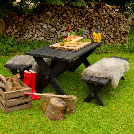 Skab hygge i haven med Plus Nostalgi Bord/bænkesæt