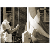 Få din nye flagstang monteret proffesionelt. Det er nemt.